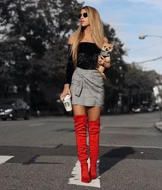 My Favorite Red Boots - Style it with Trix Red Knee High Boots, Over The Knee Boot Outfit, High Leather Boots, Red Boots, Fashion Boots, Fashion Outfits, Womens Fashion, Bota Over, Botas Sexy