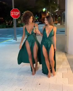 Surfer Girl Style Discover Green Long Prom/Evening Dress Sexy A Line Deep V Neck Green Long Prom/Evening Dress Split Front Sexy Formal Dresses, Sexy Long Dress, Cute Dresses, Beautiful Dresses, Short Evening Dresses, Split Prom Dresses, Grad Dresses Short, Sexy Outfits, Cute Outfits