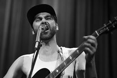 Shakey Graves Performs At The Blue Note in Columbia, Missouri, Songwriting, American Songwriter
