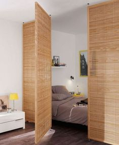 Bed separation in studio apartment room decor diy wall small spaces Cloison amovible, cloison coulissante, meuble cloison, paravent. Amazing Apartments, Apartment Decor Inspiration, Apartment Room, Interior Design, House Interior, Home, Small Spaces, Interior, Room Decor