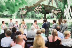 #outdoorwedding #lakewedding #weddingceremony #alabamawedding #southernwedding #alabamaweddingvenue #castlewedding