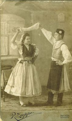 Kapuvári népviselet Folk Costume, Costumes, Costume Dress, Vintage Love, Retro Vintage, Folk Clothing, Folk Dance, Traditional Outfits, Hungary