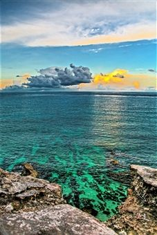 Getty Images: Magical sunset on Isla Mujeres,Yucatan, Mexico.