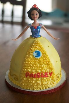 Country Cupboard Cakes: Snow White Doll