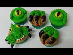 These cupcakes are great for fans of dinosaurs. Ingredients: 12 vanilla cupcakes (I use lemon flavor cupcakes) or any flavor of . Jurassic Park Party, Jurassic World Cake, Dinosaur Cupcakes, Dino Cake, Dinosaur Birthday Cakes, Cupcake Youtube, Dragon Birthday Parties, 5th Birthday, Fondant Animals