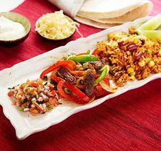 Nästa gång det är dags för tacokväll, prova detta läckra recept på fajitas med marinerad fläskkarré och picco de gallo – en fantastisk salsa som är enkel att förbereda och som lyfter rätten till oanade höjder.