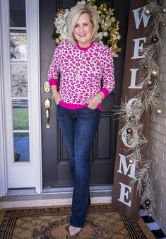 STYLING A TOP WITH AN EYE-CATCHING PRINT - 50 IS NOT OLD Over 50 Womens Fashion, Fashion Over 40, Neutral Ankle Boots, Ankle Booties, Fashion Bloggers Over 40, Fashion Wear, Fashion Outfits, Leopard Print Outfits, 50 Is Not Old