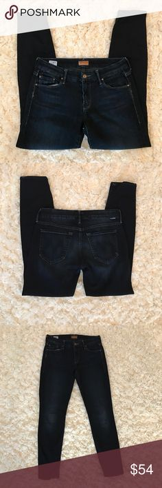 "{mother jeans} the looker skinny coffee, tea or me 15"" across waist and 28"" inseam. Re-posh. Were too tight on me. Fit more like a 2-4 rather than a 4-6. No stains, tears, or holes. Overall excellent condition though light wear in seat from normal use. #mother #thelooker #jeans #coffeeteaorme MOTHER Jeans Ankle & Cropped"
