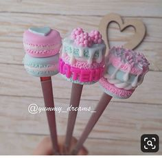 Cute Polymer Clay, Cute Clay, Fimo Clay, Polymer Clay Charms, Cute Crafts, Diy And Crafts, Clay Pen, How To Make Clay, Clay Mugs