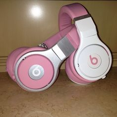 Nicki Minaj is currently working on the design for her Beats Pro Headphones  she needs your help. Silver or White? Silver     Which color pros do you prefer?    Silver    White