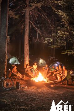 Camping Table - Contemplating Going On A Camping Trip? Read This Kayak Camping, Camping Glamping, Camping Games, Camping Life, Family Camping, Camping Table, Camping Friends, Camping Snacks, Outdoor Fun