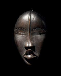 @ Binoche et Giquello - tous droits réservés 2018 Claire B. Zeisler, Chicago Christie's New York, 11 novembre 1993, lot 222 Collection privée African Masks, African Art, Hair Reference, Liberia, Ivory Coast, Ivoire, West Africa, Tribal Art, Sculpting
