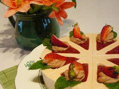 Mogyorós epertorta Zila tortaformában How To Make Cake, Waffles, Cake Recipes, Cake Decorating, Pudding, Baking, Breakfast, Cakes, Food
