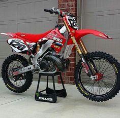 Not a 125 but supper sweet bike Honda Dirt Bike, Dirt Bike Gear, Motorcycle Dirt Bike, Moto Bike, Dirt Scooter, Cool Dirt Bikes, Mx Bikes, Road Bikes, Motorcross Bike