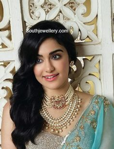 Adah Sharma in South Sea Pearls Choker and Haram - Indian Jewellery Designs Indian Jewelry Earrings, Indian Jewelry Sets, Jewelry Design Earrings, Indian Jewellery Design, Bridal Jewelry, Jewellery Designs, Gold Jewelry, India Jewelry, Bridal Bangles