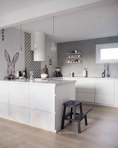 Happy almost easter . . #kitchen #kitcheninspo #kitchendesign #myhome #whiteinterior_easter #nordichome #scandinavianhome #nordicinterior…
