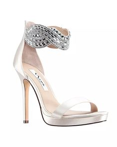 Bridal Shoes - The Best Places To Take Outdoor Wedding Photographs Outdoor Wedding Shoes, Satin Wedding Shoes, Wedding Boots, Wedding Heels, Nina Shoes, Me Too Shoes, Evening Flats, Best Bridal Shoes, Blue By Betsey Johnson