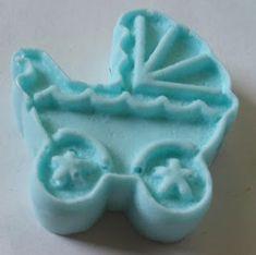 Foto: Lembrancinha de sabonete de carrinho de bebê, para chá de bebê, maternidade e 1 aninho.