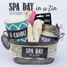 Gingerbread Cookies A creative gift basket idea: Spa Day in a Tin! Put a candle, eye pillow, epsom salts, nail … Creative Gift Baskets, Diy Gift Baskets, Creative Gifts, Easy Gifts, Homemade Gifts, Cute Gifts, Mother In Law Gifts, Spa Gifts, Diy Christmas Gifts