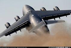 Boeing C-17A Globemaster III - Time to clean the sensor