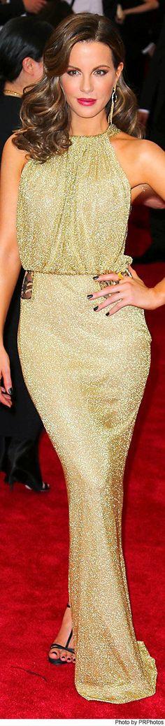 Kate Beckinsale wearing Diane von Furstenberg dress and Carrera y Carrera black onyx earrings