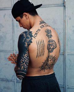 Tattoo GOALS on christian_prosperini christian_prosperini chr . Bild Tattoos, Body Art Tattoos, Sleeve Tattoos, Mens Tattoos, Back Tattoos For Guys, Full Back Tattoos, Man Back Tattoo, Back Piece Tattoo Men, Tatto Man