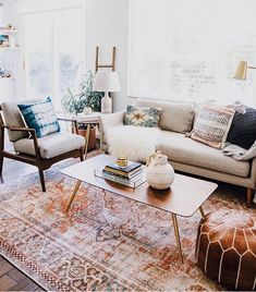 5 things you need to know for a Refined Family Room - Anita Yokota. 5 things you need to know for a Refined Family Room Accent Walls In Living Room, Boho Living Room, Interior Design Living Room, Living Room Designs, Living Room Decor, White Couch Living Room, Bohemian Living, Living Room Rugs, Blue And Orange Living Room