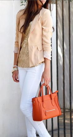 I like how glam, classy this outfit looks with the white jeans, gold sequin shirt, tan/peach blazer. Looks Style, Style Me, Peach Blazer, Beige Blazer, Casual Chique, Look Fashion, Womens Fashion, Petite Fashion, Curvy Fashion