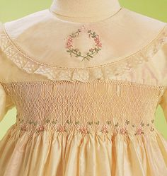 Smocked Baby Clothes, Girls Smocked Dresses, Little Girl Dresses, Smocking Patterns, Smocking Plates, Smocks, White Embroidered Dress, Special Dresses, Dress Tutorials