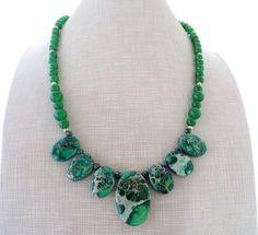 Collana con giada verde e diaspro, girocollo pietre dure, gioielli fatti a mano