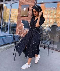 """Classy & Modest Fashion Inspo✨ on Instagram: """"Wearing all black outfits! 🖤 Go follow @modestlychics_ for more cute modest inspiration!"""""""