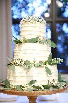 ネイキッドケーキはもう古い?!オシャレ花嫁が今選ぶウェディングケーキは? in 2019 Pretty Cakes, Cute Cakes, Yummy Cakes, Wedding Flowers, Wedding Dresses, Wedding Images, Cake Recipes, Bouquet, Wedding Inspiration