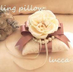ゼクシィ掲載♡8月号♡パールとバラのリングピロー リングピロー Lucca ハンドメイド通販・販売のCreema