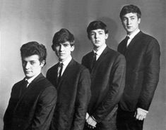 Original Beatles Stuart Sutcliffe, Original Beatles, Beatles Love, The Fab Four, George Harrison, Paul Mccartney, John Lennon, Photo Studio, Savage