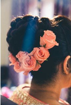 101 Indian Wedding Hairstyles For The Contemporary Bride Bridal Hairstyle Indian Wedding, Bridal Hair Buns, Bridal Hairdo, Indian Wedding Hairstyles, Wedding Updo, Bride Hairstyles, Wedding Makeup, India Moderna, Up Hairdos