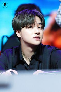 :-((akutu lwmah kalau liat ini:') lebai ah Kim Jinhwan, Chanwoo Ikon, Kpop, Ringa Linga, Yg Entertaiment, Ikon Member, Ikon Wallpaper, Jay Song, Viajes
