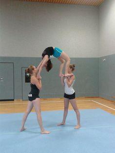 Gymnastics Stunts, Gymnastics Videos, Acrobatic Gymnastics, Easy Gymnastics Moves, Gymnastics Problems, Olympic Gymnastics, Olympic Games, Three Person Yoga Poses, Yoga Poses For Two