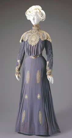 Day Dress: Bodice and Skirt 1900 - 1901 Artist: Anna Dunlevy (American, active 1889-1913), designer/maker Date: 1900-1901 Place: Cincinnati/Ohio/United States Medium: Silk, cotton