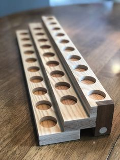 This could be revamped for a spice rack. Essential Oil Holder, Essential Oil Storage, Essential Oils, Diy Wood Projects, Wood Crafts, Woodworking Shop, Woodworking Projects, Tool Storage, Tool Drawers
