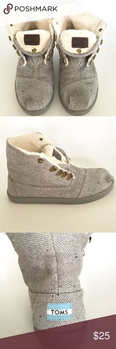TOMS Light Grey Herringbone Shoes TOMS Light Grey Herringbone Shoes with sherpa lining. TOMS Shoes Ankle Boots & Booties
