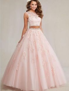Pretty quinceanera dresses, 15 dresses, and vestidos de quinceanera. We have turquoise quinceanera dresses, pink 15 dresses, and custom quince dresses! Sweet 15 Dresses, Cute Prom Dresses, Ball Dresses, Pretty Dresses, Homecoming Dresses, Beautiful Dresses, Sweet Sixteen Dresses, Ball Gowns, Xv Dresses