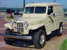 The Willys Wagon comes in different varieties, models, and colors. Have Willys Jeep Jeep Pickup, Jeep 4x4, Jeep Truck, Vintage Jeep, Vintage Trucks, New Trucks, Cool Trucks, Bugatti, Willys Wagon