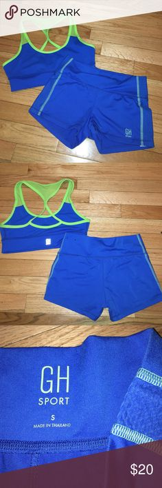 RARE SM GILLY HICKS SPORTS BRA AND SHORTS BUNDLE super cute sports bra and high waisted shorts set. both are super flattering and I would always get compliments on them! only worn a handful of times and still in great condition! both are size small. make me an offer (: Gilly Hicks Intimates & Sleepwear Bras