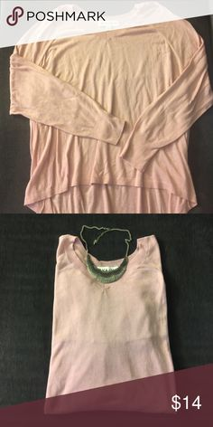 Women's Pleat Back Pullover Sweater V-neck with hi-lo hemline. Never Worn. PRICE IS FIRM Sweaters V-Necks
