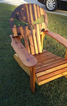 These Adirondack chair plans will help you build an outdoor furniture set that becomes the centerpiece of your backyard. It's a good thing that so many plastic patio chairs are designed to stack, and the aluminum ones fold up flat. Woodworking Shows, Woodworking Workbench, Custom Woodworking, Woodworking Furniture, Woodworking Projects, Woodworking Basics, Workbench Plans, Woodworking Machinery, Woodworking Classes
