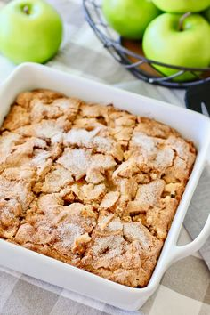 Fresh Apple Cake that comes together quickly! Simple fresh ingredients that go wow when mixed together. Your house will smell like a bakery! Cake Recipes With Oil, Apple Cake Recipes, Easy Cake Recipes, Fall Recipes, Dessert Recipes, Easy Apple Cake, Fresh Apple Cake, Quick Chocolate Cake, Easy Dessert Bars