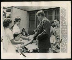 Après le 19 décembre 1961. Jfk (après l'attaque cérébrale de Joe Sr). New York City's Médical Center's Institute of Physical Medecine and Rehabilitation