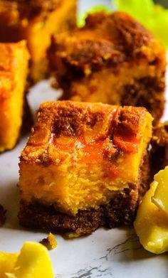 Mango Cheesecake Brownies with Milk Chocolate - Recipe Magik Mango Cheesecake, Cheesecake Brownies, Mango Dessert Recipes, Desserts, Easy Delicious Recipes, Yummy Food, One Bowl Brownies, Mango Puree, Chocolate Cream Cheese