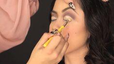 16 Ideas Makeup Eyeshadow Tutorial Step By Step Cut Crease For 2020 How To Do Eyeshadow, Cut Crease Eyeshadow, Eyeshadow Step By Step, Makeup Step By Step, Makeup Eyeshadow, Thick Eyeliner, Green Eyeliner, Glitter Eyeshadow, Iridescent Eyeshadow