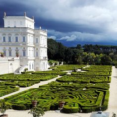 Villa Doria Pamphili and the maze garden in Rome. could vandella have a labrynth, it will have walls anyways.